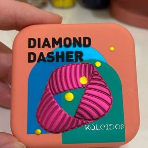 Kaleidos Makeup highlighter